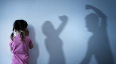 Det ska bli straffbart att utsätta barn för bevittnat våld