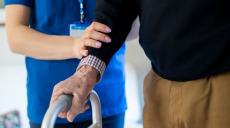 Fortsatt stor brist på utbildad personal inom vård och omsorg