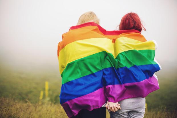 Regeringen vill förbättra livsvillkoren för transpersoner.